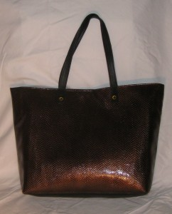 brown n black tote back
