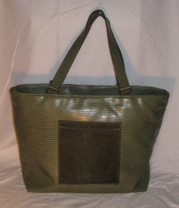 green tote front